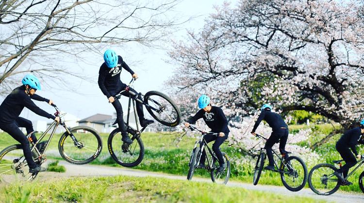 croMOZU275 2nd TEST多摩川河原サイクリングコース バンクバニーホップ180