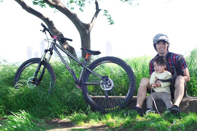 多摩川河原ダートコースのcroMOZU275と叶大
