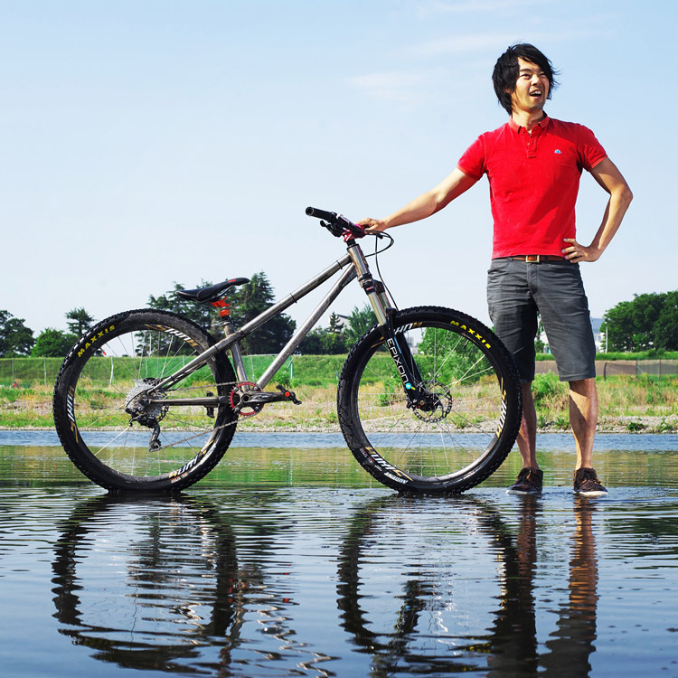 多摩川 サイクリングコース croMOZU275とサモ