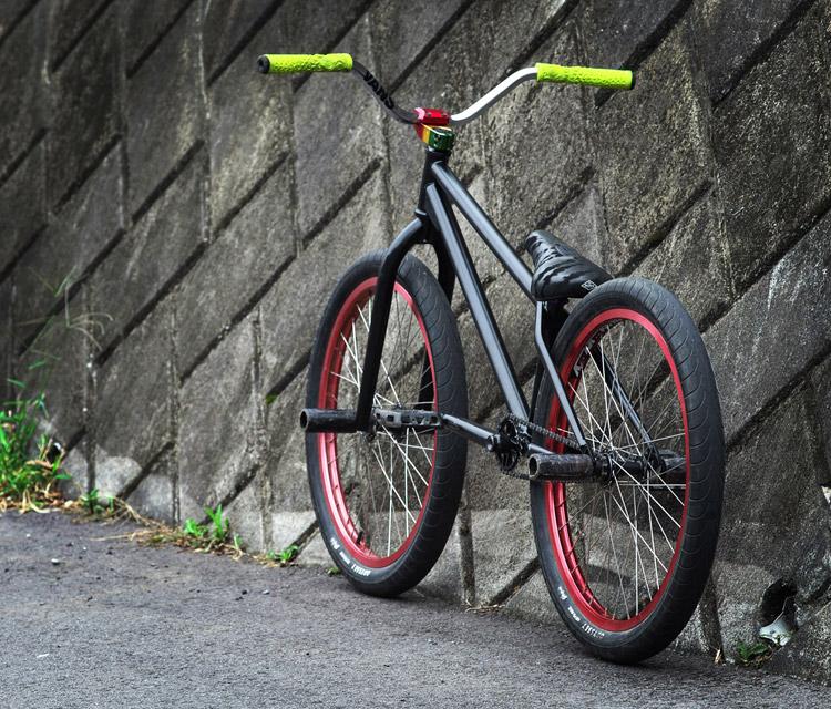 TUBAGRAライダーAKIRA君の新しいSHAKA24バイク