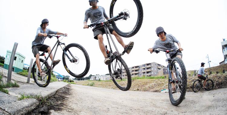 croMOZU275 3rd TEST多摩川河原サイクリングコース バニーホップ180
