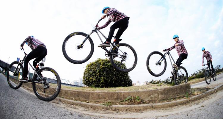 croMOZU275 3rd TEST多摩川河原サイクリングコース 新しい地形を試し飛び