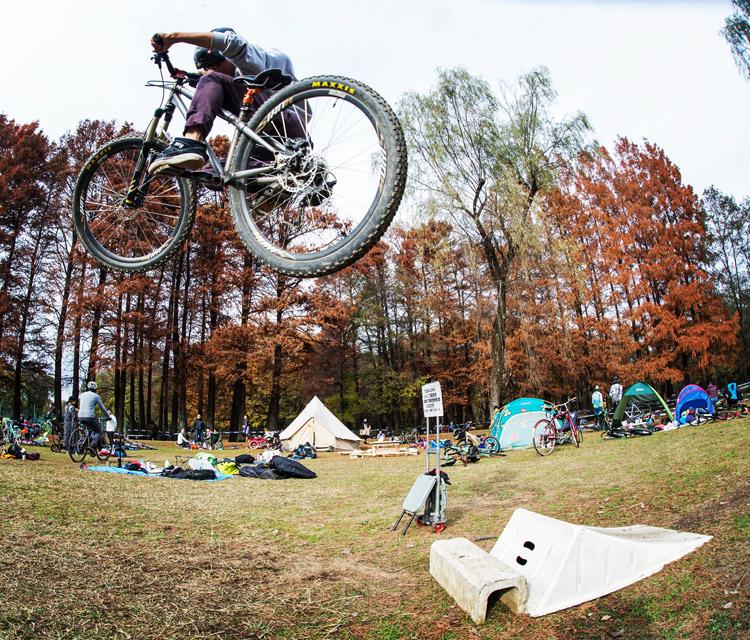 秋ヶ瀬の森バイクロア6 ジャンプ講習会 YAMATO君ハイエアー
