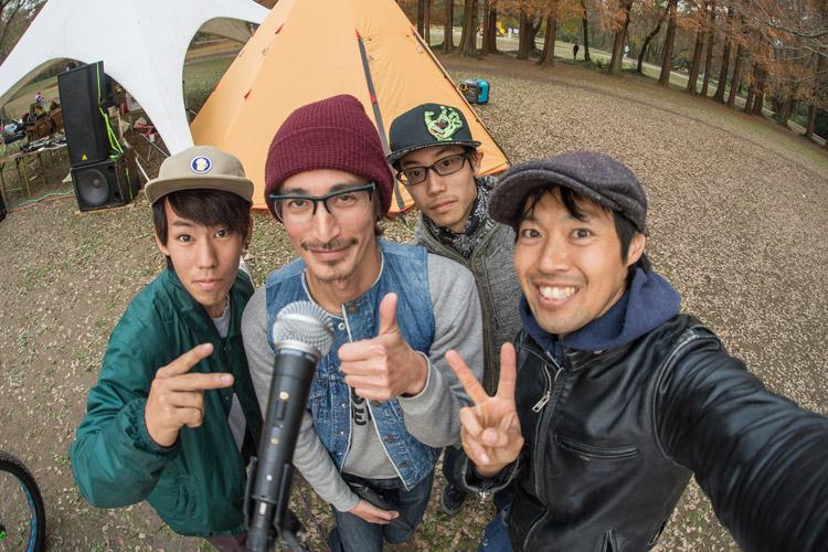 秋ヶ瀬の森バイクロア6 ジャンプ講習会 伯爵と記念撮影