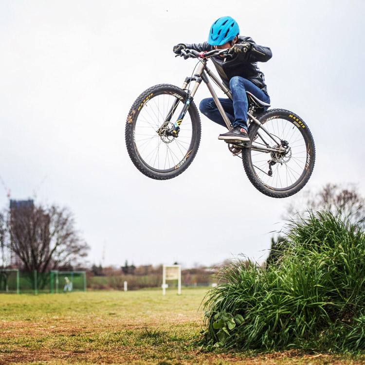 croMOZU275 3rd TEST多摩川河原サイクリングコース 草バンク 刺しバニーホップ