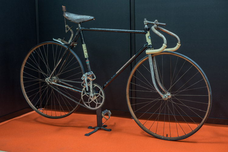 2017ハンドメイドバイシクル展に展示されていた昭和20年代の競輪バイク エヴァレストチャンピオン