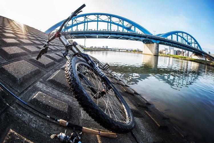 croMOZU275と多摩川丸子橋