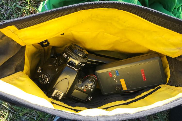 爽やかな朝の多摩川河原ダートコース beruf baggage brf-CF5 STROLL BODYPACK 一眼デジも収納できる