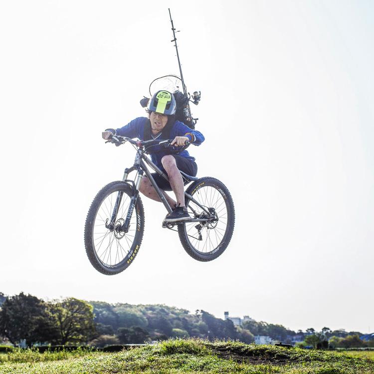 croMOZU275 3rd TEST多摩川河原サイクリングコース 雨の中での斜め刺しバニーホップ 疲労感がにじみ出てる