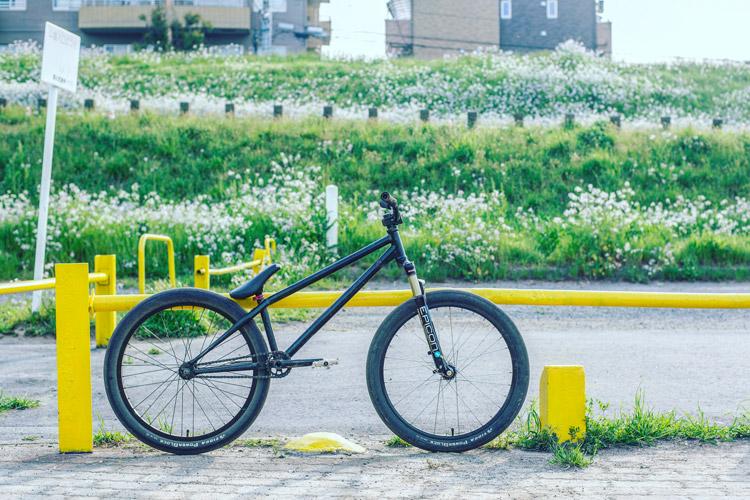 多摩川河原ダートコース公園のSHAKA24バイク