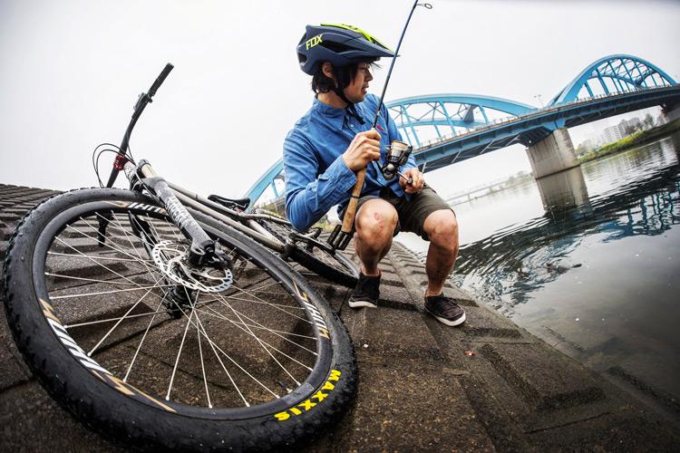 croMOZU275と多摩川丸子橋でマルタウグイ釣り