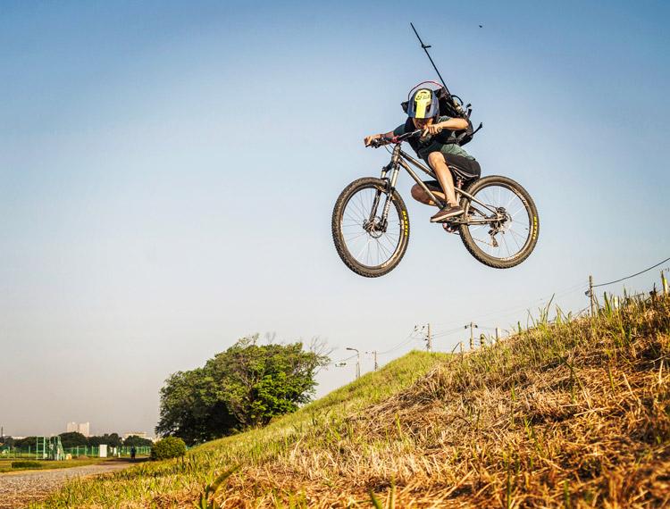 croMOZU275 3rd TEST多摩川河原サイクリングコース 土手斜め刺しバニーホップドロップ