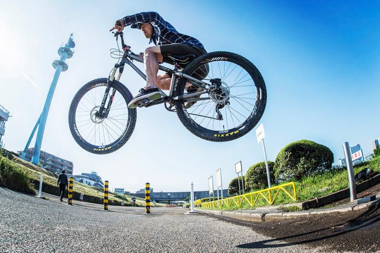 croMOZU275 3rd TEST多摩川河原サイクリングコース 斜め刺しバニーホップ