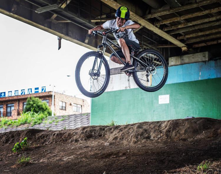 croMOZU275 3rd TEST多摩川河原サイクリングコース 段差ドロップ斜め刺しバニーホップ