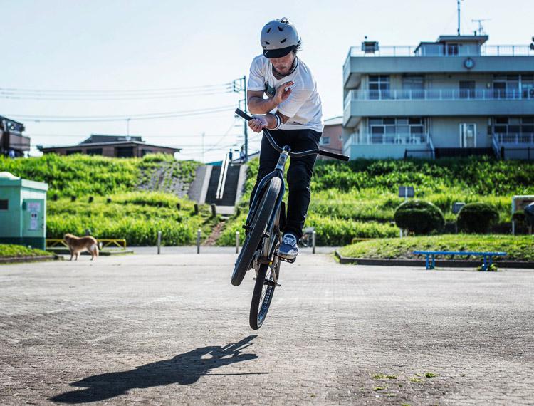 ご近所MTBストリートライダー松平さん SHAKA24によるバニーホップバースピン