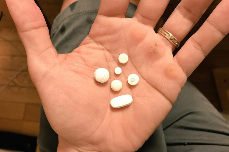 気管支炎で薬飲みまくる日々