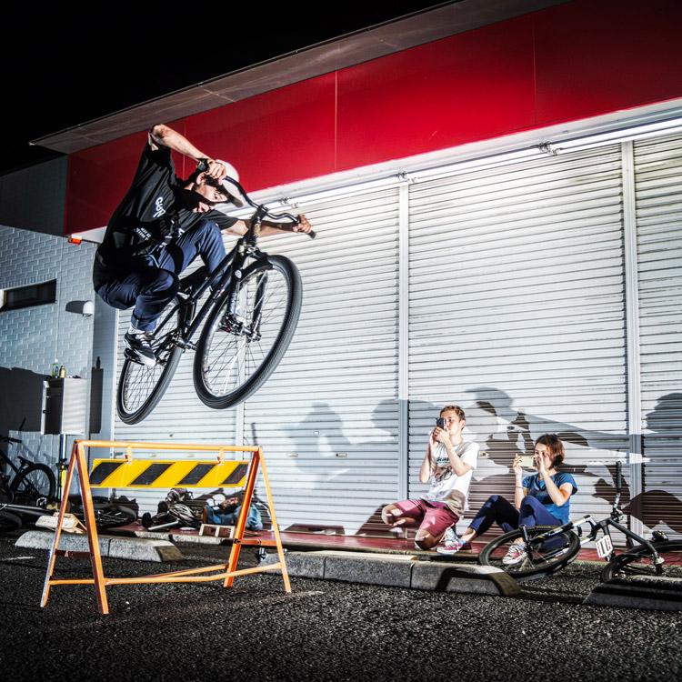 スポーツバイクファクトリーふじみ野スズキのサタジュクに参加してきました YAMATO君のA型バリケード超えバニーホップ