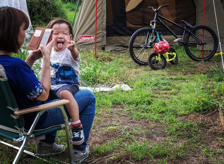 フラワートレイルでキャンプのテント建て練習