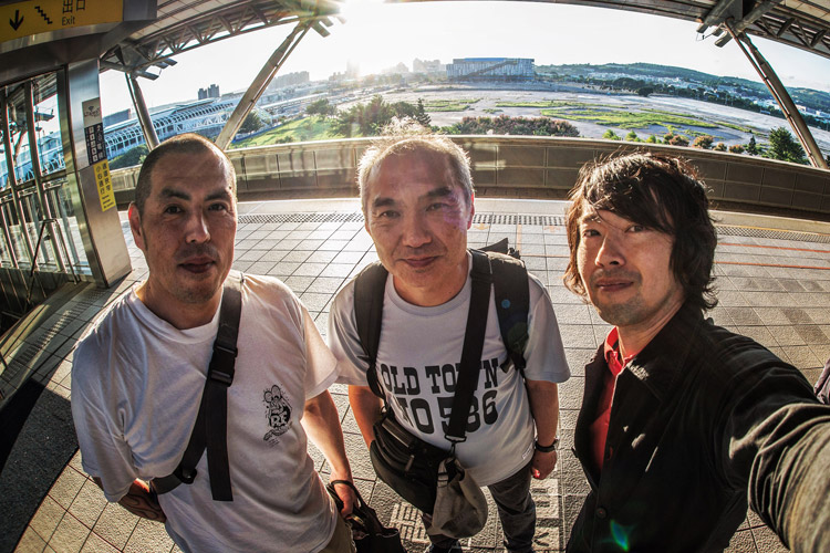 台中バイクウィークに行った村田さん、岡安さん、サモ