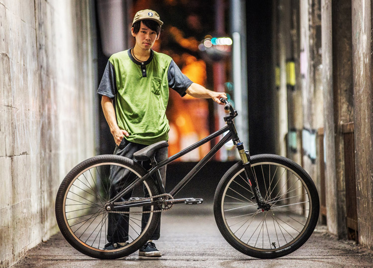 TUBAGRAライダーYAMATO君のSHAKA26バイク