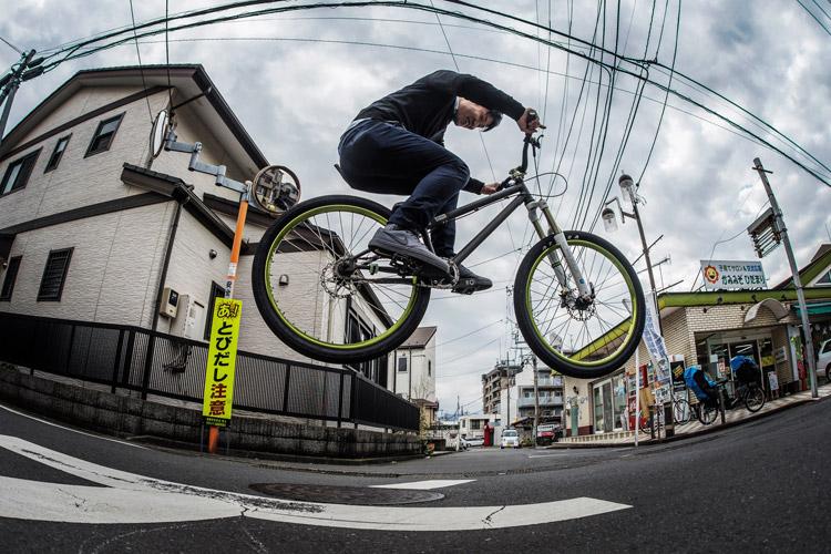 ウィルバイシクル Will bicycle akaMOZU 市川さんバニーホップ