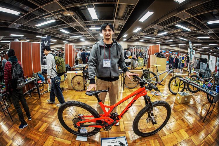 サイクルパーツ合同展示会に出展されていたYuris 篠塚さん