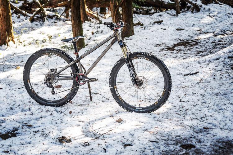 雪のトレイルライド サモ croMOZU275
