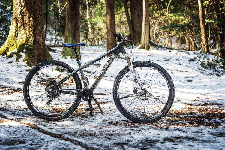 雪のトレイルライド マキシマさんの29erMTB