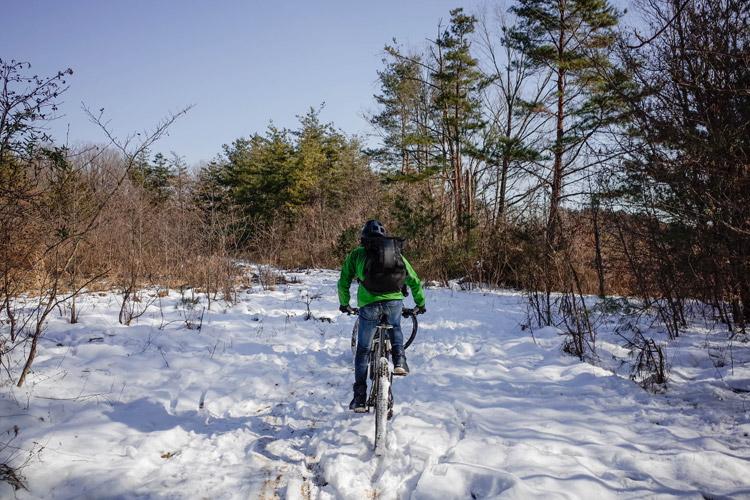 雪のトレイルライド