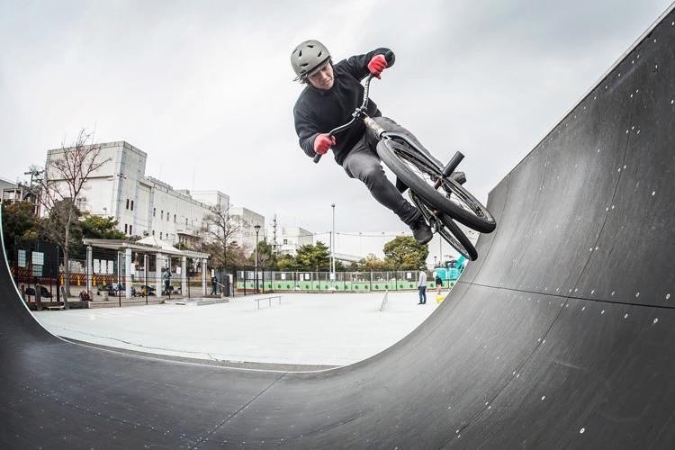 城南島海浜公園スケートパーク ミニランプ エアターン 松平さん SHAKA24