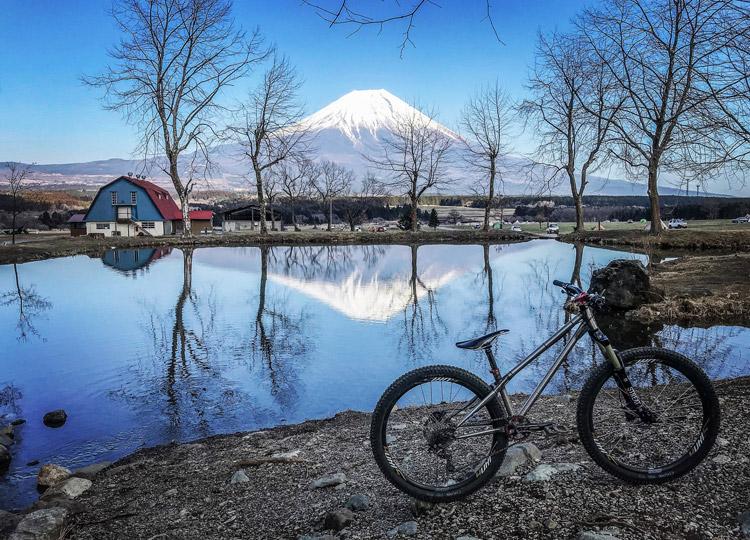 麓キャンプ場(ふもとっぱら)でオートキャンプ 逆さ富士