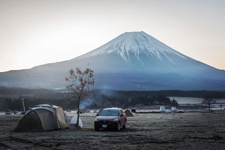 麓キャンプ場(ふもとっぱら)でオートキャンプ 朝の富士山