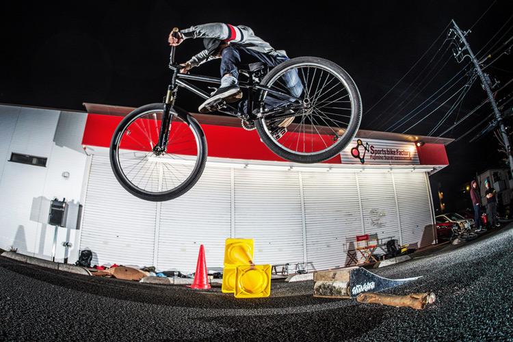 スポーツバイクファクトリーふじみ野スズキ 毎週金曜夜に開催 サタジュク TUBAGRAライダーYAMATO君 ファイアークラッカー