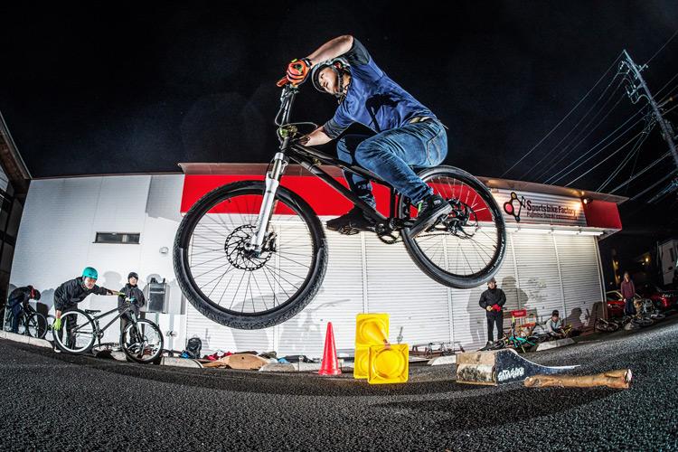 スポーツバイクファクトリーふじみ野スズキ 毎週金曜夜に開催 サタジュク 鈴木さん ファイアークラッカー
