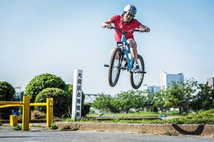 SHAKA 24 多摩川河原サイクリングコース 斜め刺しバニーホップ