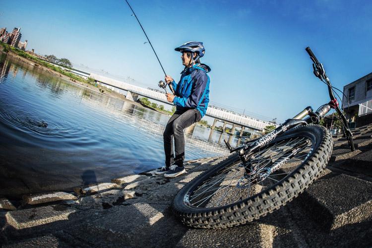 多摩川河原 BIKE&FISH マルタウグイ ヒット