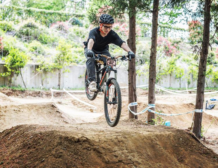スマイルバイクパーク 山口さんジャンプ