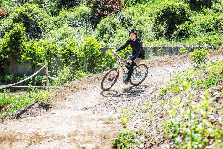 スマイルバイクパーク 女性 レクチャー