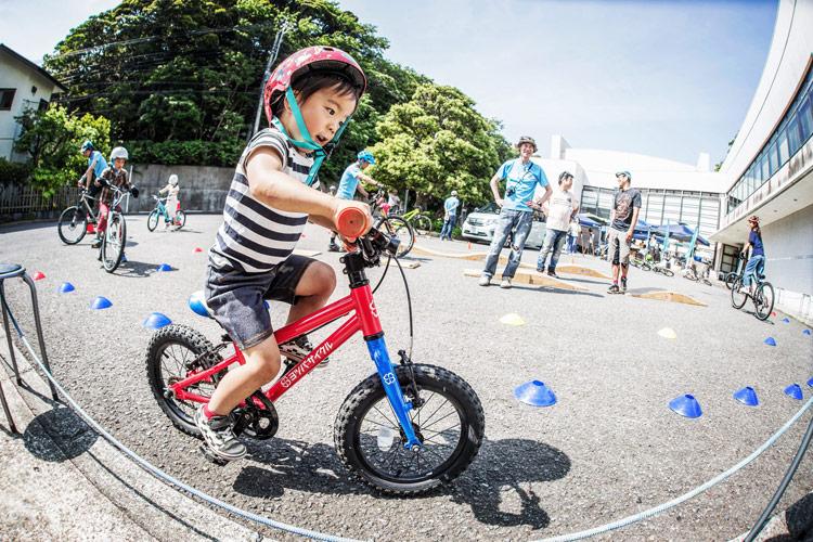 三浦半島マウンテンバイク・プロジェクト主催のマウンテンバイクを体験してみよう!@葉山まちづくり展 ヨツバサイクルで走る叶大