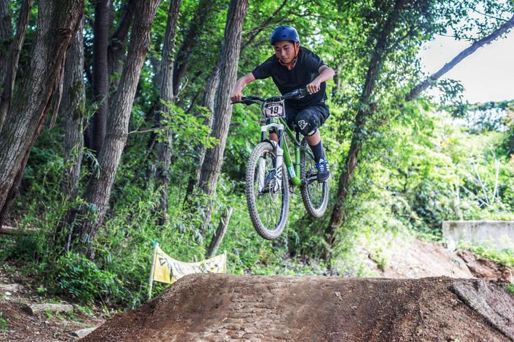 スマイルバイクパーク 男性 ダートジャンプ