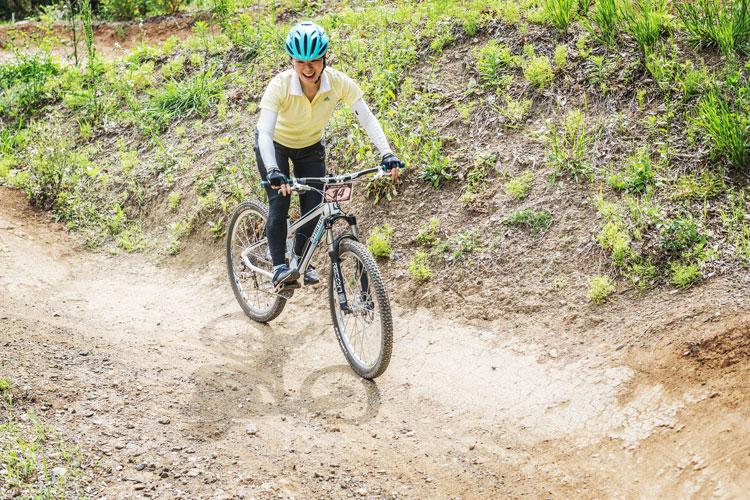 スマイルバイクパーク SBP スラロームコース 女性