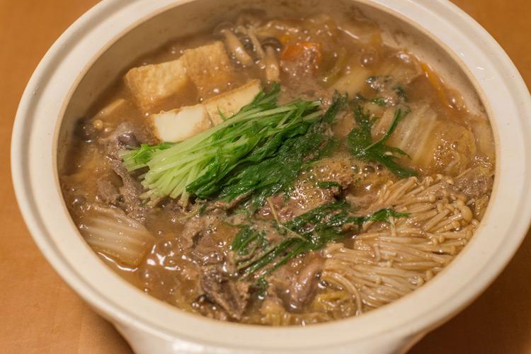 葉山のイノシシ罠猟の和田さんよりいただいたイノシシ肉を使った牡丹鍋