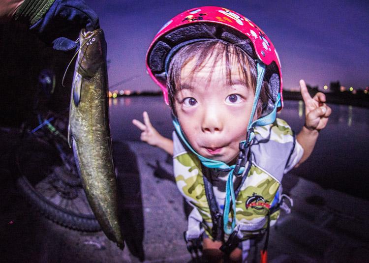 多摩川 BIKE&FISH ナマズを釣った叶大
