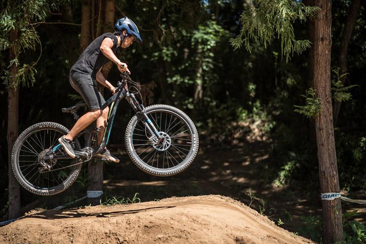 スマイルバイクパーク 4連ジャンプ サモ