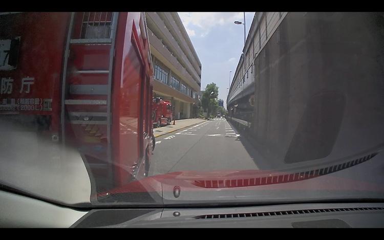消防車から接触事故 ドライブレコーダー画像