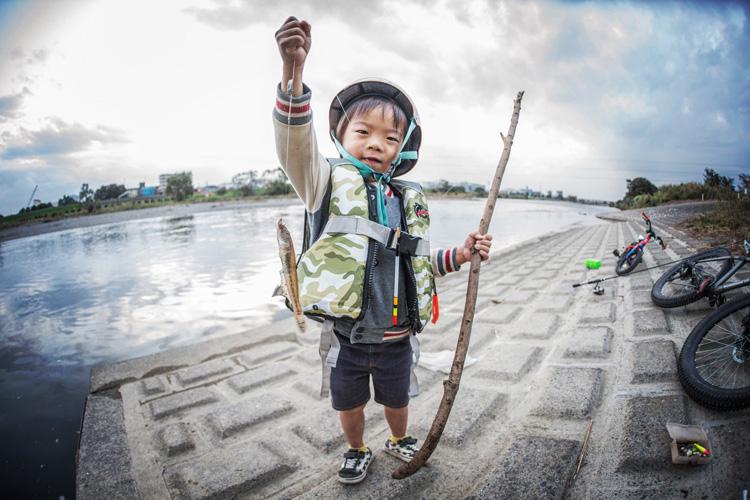 多摩川河原 マハゼを釣った叶大