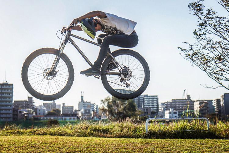 多摩川 朝活BIKE&FISH FUKUROU ストレート刺しバニーホップ