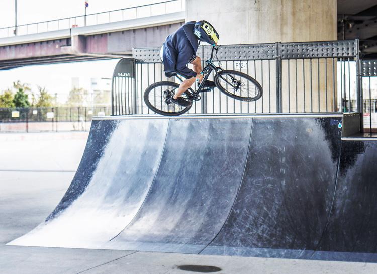 ヨツバサイクル YOTSUBA 26 新横浜スケートパーク