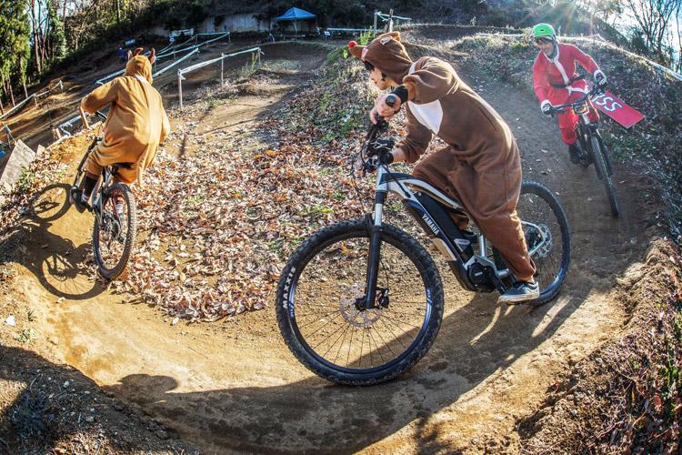 スマイルバイクパーク スラロームコース クリスマスイブ サンタ&トナカイ eMTB YAMAHA YPJ-XC
