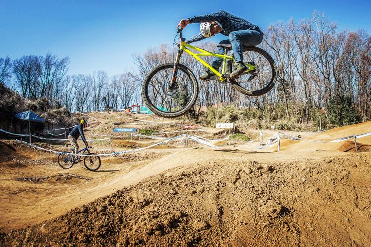 スマイルバイクパーク 4連ジャンプ 山下さん